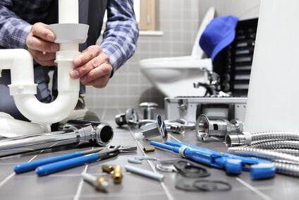 Devenir plombier indépendant